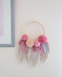 Makrome İpinden Yapraklı Duvar Süsü Yapılışı Makrome İpinden Neler Yap… How to Make Leafy Wall Ornament from Macrame Thread What to Do from Macrame Thread? My Merry Ornament House Dollar Store Crafts, Crafts To Sell, Easy Crafts, Diy And Crafts, Arts And Crafts, Dollar Stores, Wood Crafts, Macrame Thread, Macrame Bag