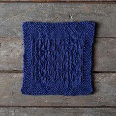 Double V Dishcloth by Hannah Maier