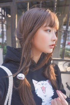 no one looks this good and gets away with it. Asian Cute, Cute Asian Girls, Beautiful Asian Girls, Cute Girls, Poses, Cute Japanese Girl, Le Jolie, Beauty Portrait, Japan Girl