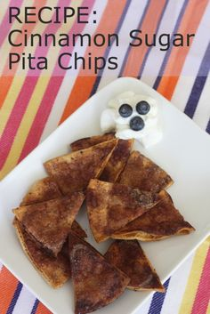 Homemade cinnamon sugar pita chips - so good! Sweet Recipes, Snack Recipes, Cooking Recipes, Snacks, Breakfast Recipes, Pita Chips Recipe, Cinnamon Chips, Tasty Dishes, Just Desserts