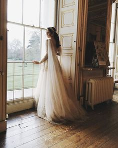 All the Deets on Georgina Wilson's Monique Lhuillier Wedding Gown | Stylebible.ph