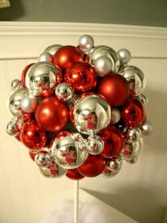 Christmas Topiary Add some shine and color to your holiday decor with this cute idea. Learn how at Fingerprints on the Fridge Christmas Topiary, Winter Christmas, Christmas Holidays, Christmas Ornaments, Christmas Craft Projects, Holiday Crafts, Holiday Fun, Holiday Decor, Christmas Wedding Centerpieces