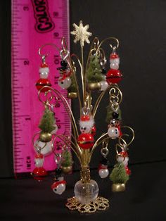 how to: Christmas ornaments - love the ornament tree!!