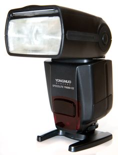 Yongnuo YN560-III-USA Speedlite Flash with Integrated 2.4-GHz Receiver for Canon, Nikon, Pentax, Olympus, GN58, US Warranty (Black) (Discontinued by Manufacturer)