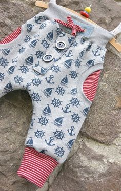 Kids Clothing Nadelzauber: Maritime Babyhose (Diy Clothes) Kids ClothingSource : Nadelzauber: Maritime Babyhose (Diy Clothes) by Baby Leggings, Baby Pants, Sewing For Kids, Baby Sewing, Fashion Kids, Vêtements Goth Pastel, Baby Outfits, Outfits For Teens, Baby Kids