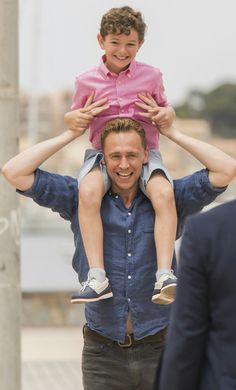Tom Hiddleston Andrew Birch with Roper's son on the night mgr Via Twitter.