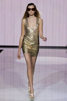 See the complete Versace Spring 2007 Ready-to-Wear collection. Model: Bette Franke