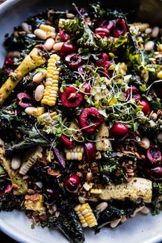 Sunflower Seed, Kale and Cherry Salad with Savory Granola - Detox Foods Recipes İdeas Easter Brunch Menu, Whole Food Recipes, Cooking Recipes, Vegetarian Recipes, Healthy Recipes, Cherry Recipes Savory, Cherry Salad Recipes, Snacks Saludables, Good Food