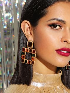 SHEIN offers Color Block Open Square Drop Earrings & more to fit your fashionable needs. Statement Earrings, Dangle Earrings, Diamond Earrings, Square Earrings, Fashion Jewelry, Women Jewelry, Ad Fashion, Fashion Outfits, Glamour