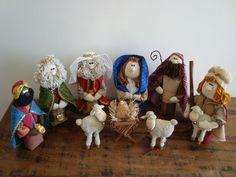 Nativity Stable, Diy Nativity, Christmas Nativity, Christmas Time, Christmas Ornaments, Christmas Sewing, Christmas Decorations, Holiday Decor, Needle Felting