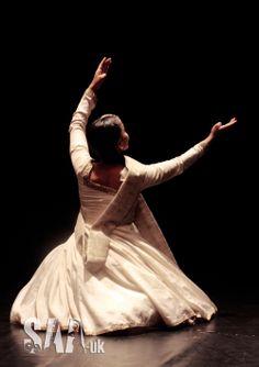 EshtiAgh Kathak performance 2012 www.saa-uk.org/ Twitter @Southasianartuk #Kathak #SouthAsianArtUK