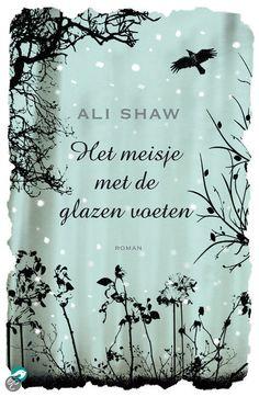 Het Meisje Met De Glazen Voeten - Ali Shaw - ISBN 9789022959794. Er gebeuren vreemde dingen op de afgelegen, met sneeuw bedekte eilandengroep St. Hauda's Land. Merkwaardige gevleugelde wezens vliegen rond boven de bevroren moerassen, in de onder ijzige sneeuw schuilgaande wouden verbergen zich...GRATIS VERZENDING IN BELGIË - BESTELLEN BIJ TOPBOOKS VIA BOL COM OF VERDER LEZEN? DUBBELKLIK OP BOVENSTAANDE FOTO!
