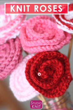 Knit a Bouquet of Roses Learn How to Knit Rose Flowers from this Free Pattern with Video Tutorial by Studio Knit StudioKnit knitting knittingvideo roses flowerdiy freeknittingpattern via StudioKnit # Simply Knitting, Easy Knitting, Knitting Patterns Free, Crochet Patterns, Free Pattern, Free Crochet Flower Patterns, Knitted Flowers Free, Crochet Flowers, Confection Au Crochet