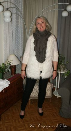 XL Cheap & Chic: Valkoinen karvaliivi ja elämän aakkosia VI - White...