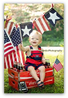 fourth of july baby photo idea. I would do this one with Nick, however I do not think I could get him to et for very long.