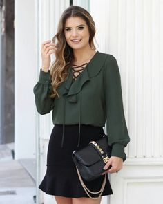 1109 likes 36 comments Classy Outfits, Cool Outfits, Fashion Outfits, Womens Fashion, Blouse Styles, Blouse Designs, Moda Chic, Western Dresses, Couture