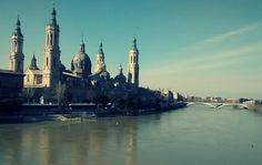 Descubre una ruta literaria por Zaragoza.