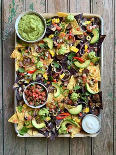 What I like about my nachos: * spicy guacamole… roasted garlic & jalapeños are my signature * fresh pico de gallo… a little bit of work, a whole lot of flavour. * grilled hot Italian sausage… the spice & anise seed liven up every bite * double smoked cheddar… adds depth to all the fresh toppings * quality no salt/low salt tortilla chips… so I don't swell up like the Goodyear blimp at halftime! What are your secrets to the best game day nachos? #sheetpanmeals