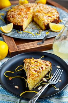 Lemon Almond Cake Recipe : A light, moist and tender lemon almond cake! Easy Soup Recipes, Chicken Recipes, Dinner Recipes, Dessert Recipes, Simple Recipes, Yummy Recipes, Cherry Cheesecake Bites, Mini Cherry Cheesecakes, Crazy Cake Recipes