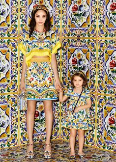 Discover the new Dolce & Gabbana Women's Maiolica Collection for Fall Winter 2016 2017 and get inspired. Fashion Moda, Vogue Fashion, High Fashion, Fashion Show, Womens Fashion, Fashion Design, Fashion Trends, Baby Dress, Fashion Photography
