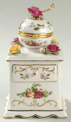 Royal Albert Old Country Roses Musical Coffee Grinder