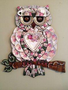 Mosaic owl by Andrea Oligon Mosaic Art Projects, Mosaic Crafts, Stained Glass Projects, Stained Glass Art, Mosaic Glass, Owl Mosaic, Mosaic Garden Art, Mosaic Birds, Glass Garden Art
