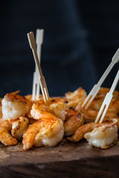 Simple, delicious shrimp with Japanese flavors: 15 minute recipe with 5 ingredients. Serve over rice, pasta or even as an appetizer. ~ http://steamykitchen.com