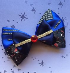 Descendants Evie Bow free shipping by paisleyzbowz on Etsy
