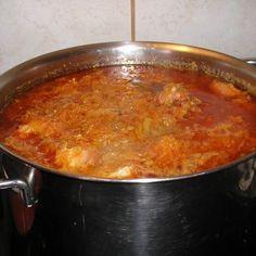 Savanyú káposzta húsgombóccal Recept képpel - Mindmegette.hu - Receptek Hungarian Cuisine, Hungarian Recipes, Hungarian Food, Soup Recipes, Cooking Recipes, Meatball Soup, Sauerkraut, One Pot Meals, Nutella
