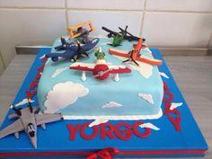 Muskat Patisserie #cake #birthday #sky #plane #jet #cloud #sugar #sugarcraft #art