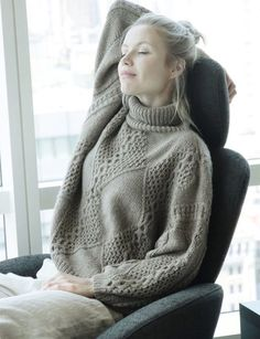 The HANIA New York KYRG Collection is hand knit in NYC from a completely undyed cashmere that is ethically sourced from shepherds living on small family farms along the ancient Silk Road of Kyrgyzstan. Cable Sweater, Cable Knit, How To Purl Knit, Yarn Colors, Fall Winter Outfits, Knitting Projects, Hand Knitting, Knit Crochet, New York