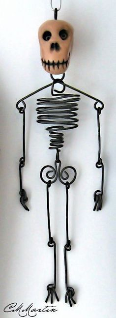 Wire Skeleton with Glow-in-the-Dark Skull by cmmartinwa on Etsy Wire Jewelry, Jewelry Art, Beaded Jewelry, Jewelery, Skull Jewelry, Jewelry Ideas, Holiday Jewelry, Halloween Jewelry, Diy Halloween