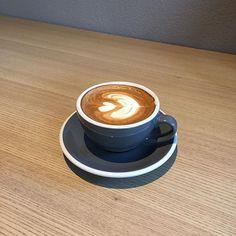 요즘 #커피 한잔으로는 뭔가 부족해 #피콜로라떼 ㅡ #대구카페#Jacobarts