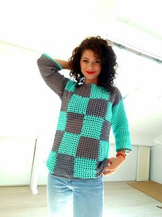 Free crochet pattern with chart and sketches and video tutorial Crochet Mittens, Crochet Cardigan, Free Crochet, Crochet Pattern, Crochet Sweaters, Crochet Tops, Summer Sweaters, Sweaters For Women, Skirt Pattern Free