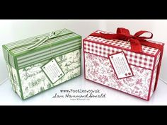 Toile Tidings Large Lidded Box Tutorial Stampin' Up! Demonstrator Pootles – Toile Tidings Large Lidded Box Tutorial It's a big old box today! When I started making it, I was planning to make a bag with a ribbon handle, but… Hannelore Drews, Christmas Gift Box, Christmas Cards, Christmas Wrapping, Christmas 2019, Christmas Ideas, Old Boxes, Scrapbooking, Scrapbook Box