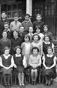 Balmore School 1930s (now Parkhouse) Kippen Street & Glenhead Street  Please state row & number   Back Row 1) No name 2) No name 3) No name 4) No name  Third Row  1) No name 2) No name 3) No name 4) No name 5) No name  Second Row 1) No name 2) No name 3) No name 4) No name 5) No name  Front Row  1) No name 2) No name 3) No name 4) No name