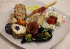Sushi, Ethnic Recipes, Food, Essen, Yemek, Meals