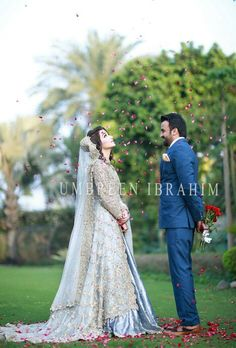 Outdoor groom with bride petals and bouquet pakistani bridal dresses, bridal lehenga, pakistani girl Desi Bride, Desi Wedding, Wedding Attire, Bridal Shoot, Wedding Photoshoot, Bridal And Groom Pics, Pakistani Wedding Dresses, Pakistani Girl, Walima Dress