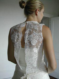 robe de mariée en dentelle de Calais et organza de soie