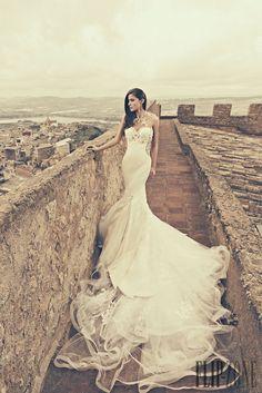 Julia Kontogruni 2015 collection - Bridal - http://www.flip-zone.com/fashion/bridal/the-bride/julia-kontogruni-5285