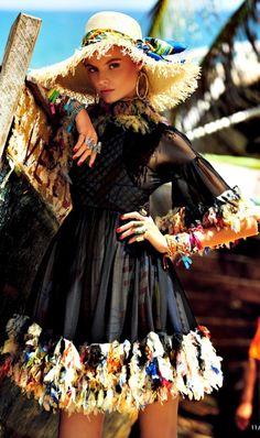 Magdalena Frackowiak by  Giampaolo Sgura for Vogue Japan May 2013 <3 na