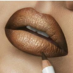 OCC lip Tara ombre with covet, Hollywood, and lined with Sybil Kiss Makeup, Beauty Makeup, Eye Makeup, Brown Lip, Ombre Brown, Brown Beige, Cool Makeup Looks, Ombre Lips, Makeup For Brown Eyes