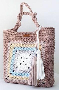 Ideas For Crochet Granny Square Bag Pattern Crochet Purse Patterns, Crochet Tote, Crochet Handbags, Crochet Purses, Crochet Granny, Knitting Patterns, Scarf Crochet, Crochet Ideas, Mode Crochet