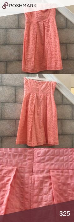 JCrew Strapless Dress Perfect for summer, salmon strapless dress. I only wore it once... Dresses Midi