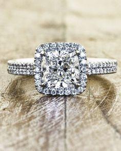 Zertifizierter White Cushion Diamant-Verlobungsring in Weißgold Bling Bling, Mod Wedding, Wedding Bands, Dream Wedding, Wedding Ideas, Trendy Wedding, Perfect Wedding, Halo Wedding Rings, Double Band Wedding Ring