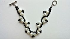 DIY White and Black Bracelet. Step by Step Beading Instructios