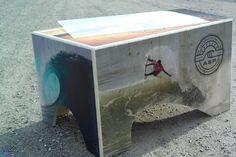 La table basse en bois imprimé UNC Pro est une innovation sur le marché mondial de l'événementiel. À partir de 2015, UNC Pro proposera sa ligne complète de meubles en bois imprimé. Pour toutes questions sur ce mobilier en bois événementiel, rendez-vous sur www.unc-pro.com.