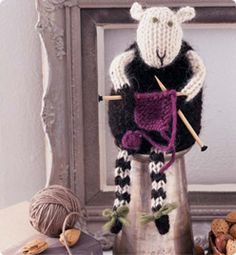 Knitting Sheep-again, not a craft I want or need to do, but it's so stinkin' cute!