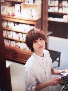 #伊野尾慧 Playing Piano, Japanese Boy, Asian Celebrities, Kawaii Cute, My King, Best Actor, My Idol, Fangirl, Beautiful People