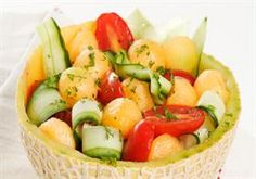 Komkommer-en-spanspekslaai Kos, Fruit Salad, Cobb Salad, South African Recipes, Ethnic Recipes, Salad Recipes, Dessert Recipes, Desserts, Curry Noodles